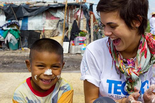 Una voluntaria de TECHO comparte su experiencia-Photo3