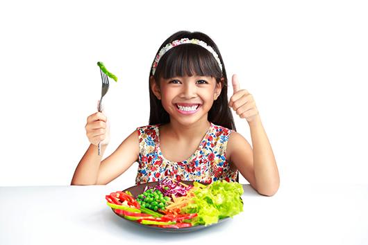 Cómo ayudar a tus hijos a comer más verduras-MainPhoto