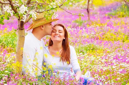 Primavera, estación del amor en Europa-MainPhoto