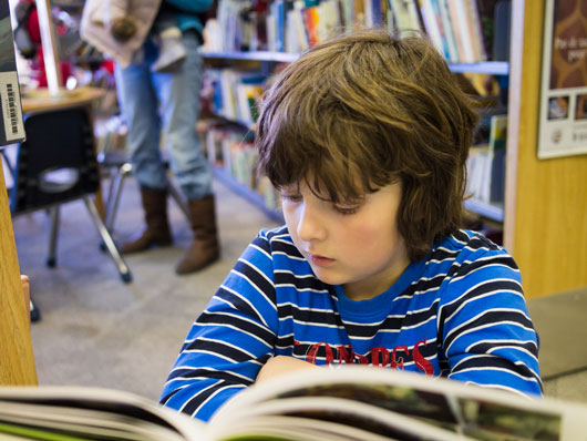 10-Ways-to-Get-Your-Kid-Amped-About-Reading-photo4
