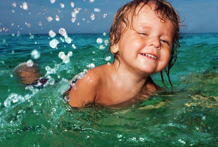 11 razones por las que tu hijo debe aprender a nadar-MainPhoto