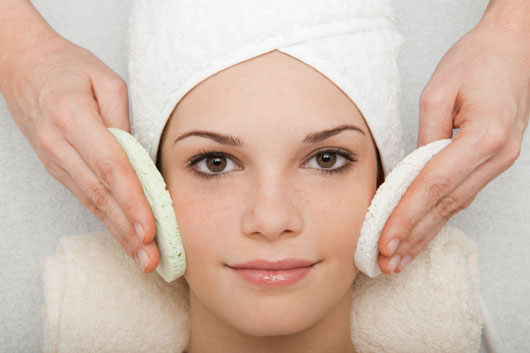 Grease-Monkey-10-Foolproof-Tips-to-Control-Oily-Skin-photo5