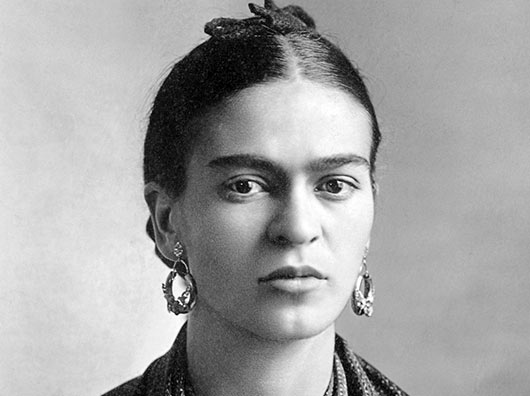 10 maneras de incorporar la visión creativa de Frida Kahlo en tu vida-MainPhoto