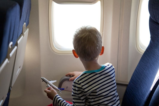 Electronics-Free-Ideas-to-Entertain-Your-Kid-on-a-Flight-photo5