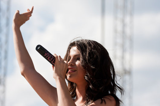 15-Fact-About-Selena-Gomez-That-Will-Catch-you-Offguard-photo11