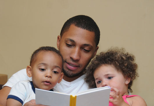 15-Reasons-Latinas-Should-Embrace-the-Idea-of-Stay-at-Home-Dads-photo3