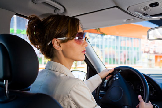 18-(annoying)-Ways-You-Probably-Drive-Like-a-Girl-photo2