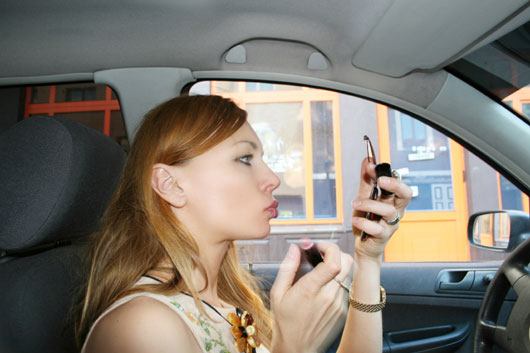 18-(annoying)-Ways-You-Probably-Drive-Like-a-Girl-photo6