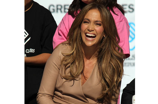 The-J-Lo-Paradox-15-Reasons-Why-this-Icon-Makes-Us-Say-'Huh'-photo4