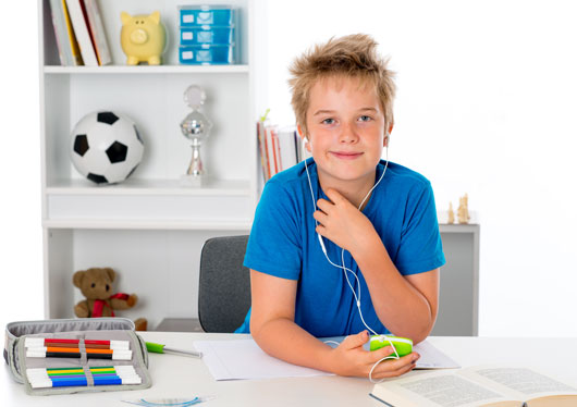 Homework-Affairs-10-Ways-to-Help-Your-Kids-Strategize-their-Workload-photo4