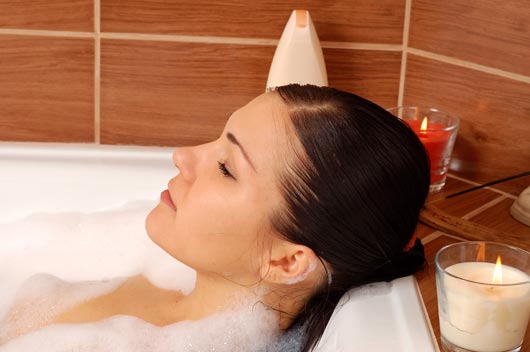 Soak-Therapy-10-Reasons-why-a-Hot-Bath-Always-Fixes-Everything-MainPhoto
