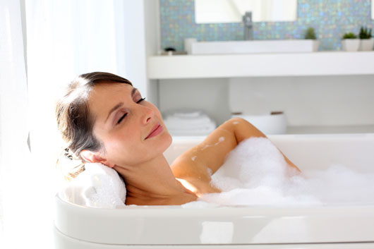 Soak-Therapy-10-Reasons-why-a-Hot-Bath-Always-Fixes-Everything-photo2
