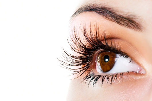 Lashing-Out-10-Ways-Keep-to-Your-Eyelashes-Luscious-and-Strong-photo2