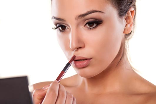 Lip-Service-10-Instances-When-it's-Appropriate-to-Wear-Lip-Liner-MainPhoto