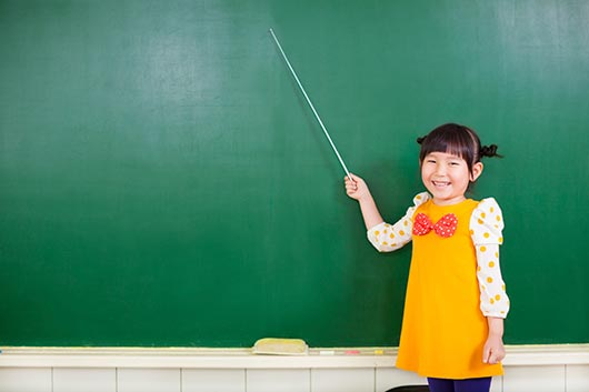 Presenting-at-School-How-to-Help-Your-Kid-Overcome-a-Fear-of-Public-Speaking-MainPhoto
