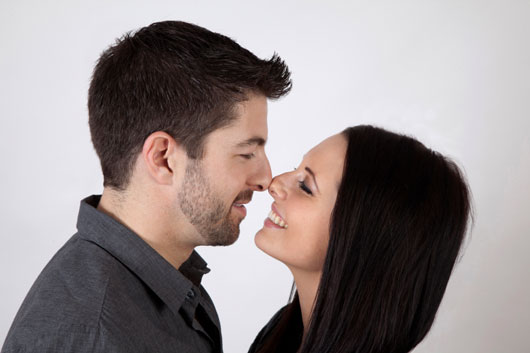 Pucker-Up-World-a-Look-at-How-15-Different-Cultures-View-the-Kiss-photo2