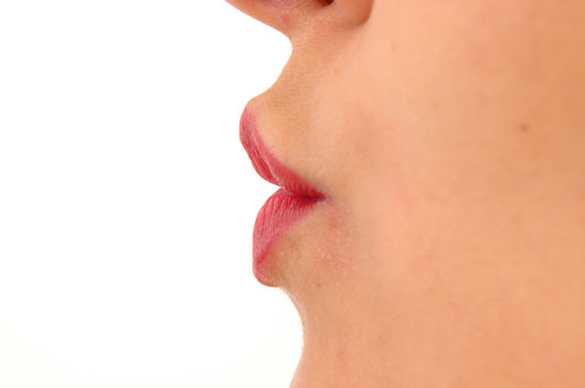 Pucker-Up-World-a-Look-at-How-15-Different-Cultures-View-the-Kiss-photo6
