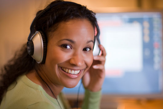 Sounding-Off-10-Ways-Music-Affects-How-You-Work-photo2