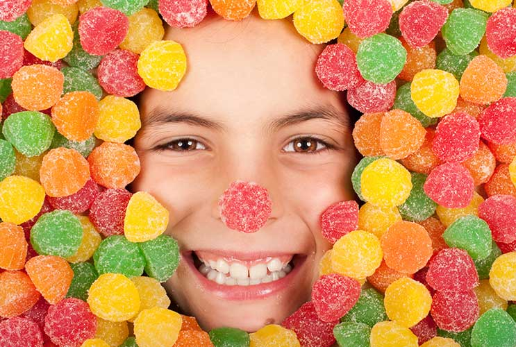 The-Great-Candy-Compromise-10-Ways-to-Negotiate-Sweets-Consumption-with-Your-Kids-on-Halloween-MainPhoto