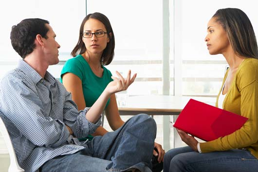 Session-Control-10-Ways-to-Approach-Your-First-Couples-Therapy-Meeting-MainPhoto