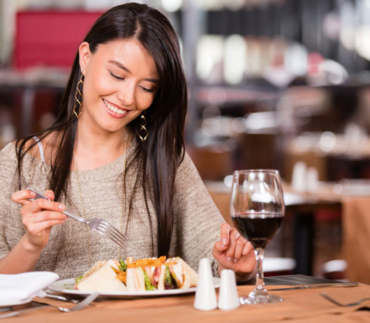 Table-for-One-10-Reasons-why-There-is-No-Shame-in-Dining-Alone-photo3