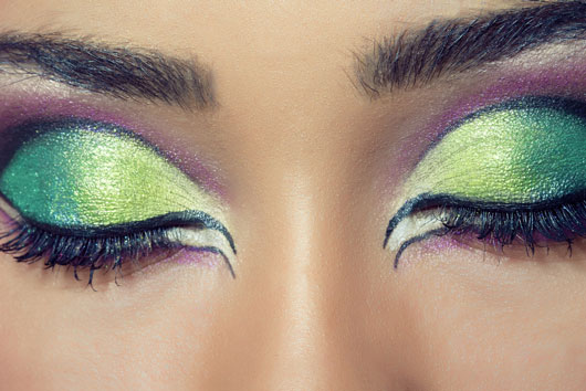 Cosmic-Cosmetics-15-Tips-for-Glamorous-New-Years-Looks-photo14