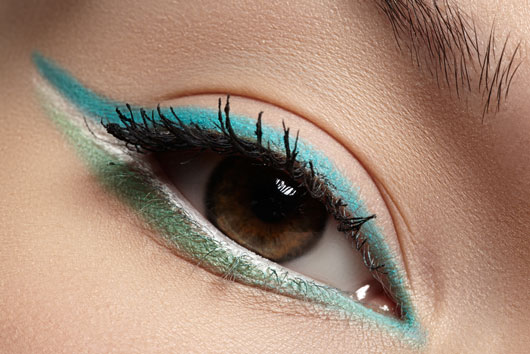 Liner-Notes-10-Essential-Tips-to-Perfect-the-Cat-Eye-photo9