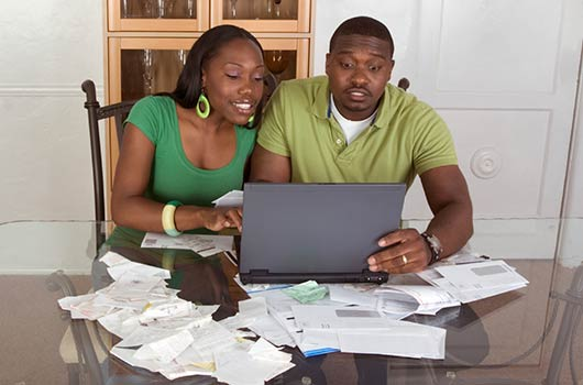 Paper-Taper-15-Reasons-to-Pay-Your-Bills-Online-MainPhoto