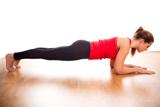 Slim-Gym-10-Indoor-Fitness-Routines-to-Keep-You-Svelte-Through-the-Holidays-photo2