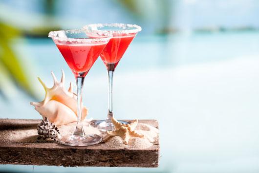 Boozy-Season-10-Winter-Cocktail-Ideas-to-Keep-You-Warm-photo5