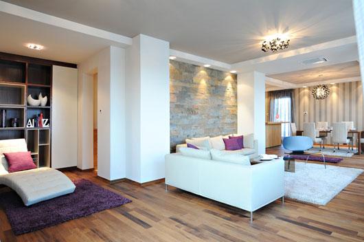 Grandes soluciones para decorar peque os espacios - Como pintar un salon rustico ...