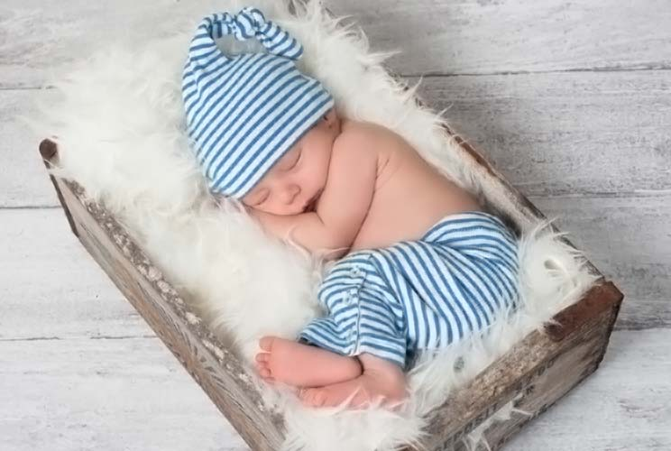 Ease-into-Zzzz's-10-Reasons-Why-Bedtime-Rituals-are-Great-for-Getting-Baby-to-Sleep-MainPhoto