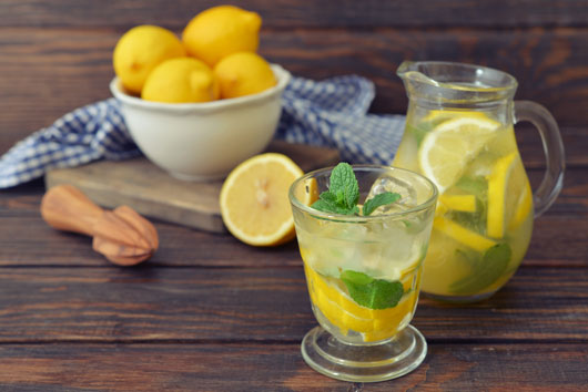 Lemon-Aid-10-Reasons-You-Should-Drink-Lemon-Water-Every-Day-photo3