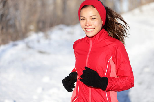 Winter-Wonder-Woman-10-Winter-Exercises-that-Keep-you-Fit-photo2