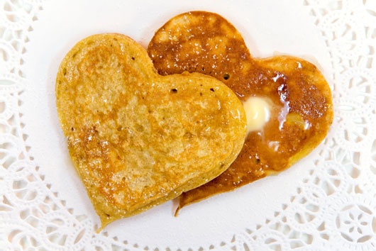 7-Valentines-Breakfast-Ideas-that-will-Make-you-Get-Right-Back-Into-Bed-photo2