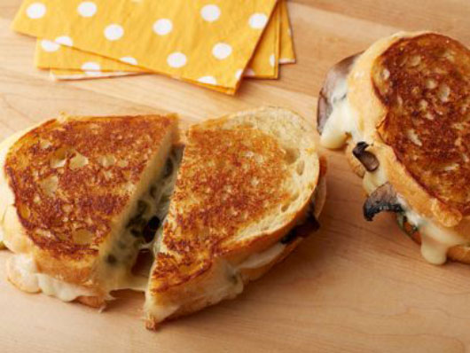 The-Comfort-Files-15-Ideas-for-an-Awesome-Grilled-Cheese-Sandwich-photo4