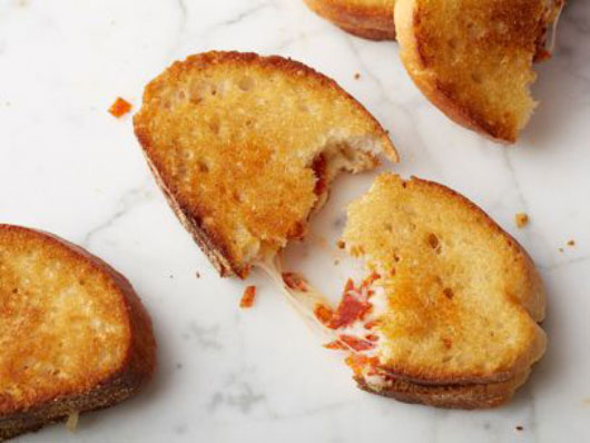 The-Comfort-Files-15-Ideas-for-an-Awesome-Grilled-Cheese-Sandwich-photo6