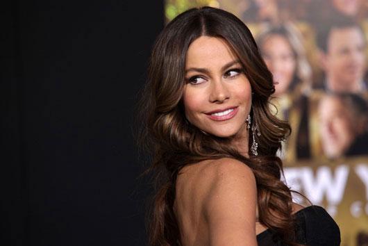 10-celebridades-latinas-que-hacen-honor-a-la-categoría-del-cabello-photo7