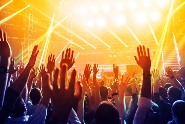 8 razones por las que ver a una banda en vivo te mantiene joven-MainPhoto