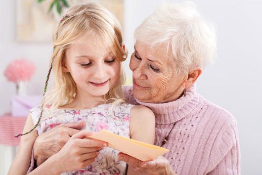 Cómo-demostrarle-amor-a-tu-abuela-en-el-Día-de-las-Madres-photo2