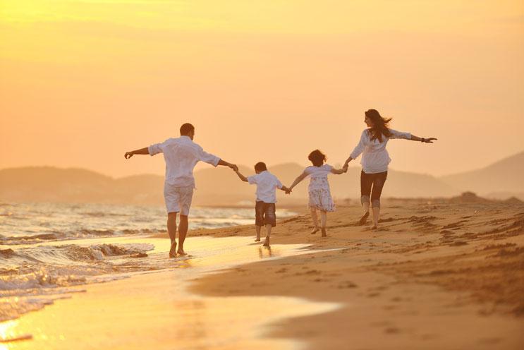 Diversión-en-el-sol-Actividades-creativas-de-verano-para-niños-MainPhoto