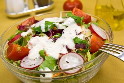 5 recetas de aderezos de ensalada para bañarla-MainPhoto