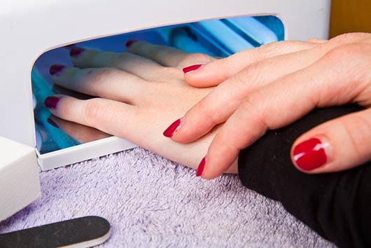 El-manicure-en-gel-(uñas-shellac)-Pros-y-contras-Photo2