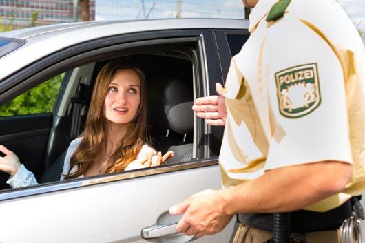 Qué-hacer-si-la-policía-te-pide-que-detengas-Photo6