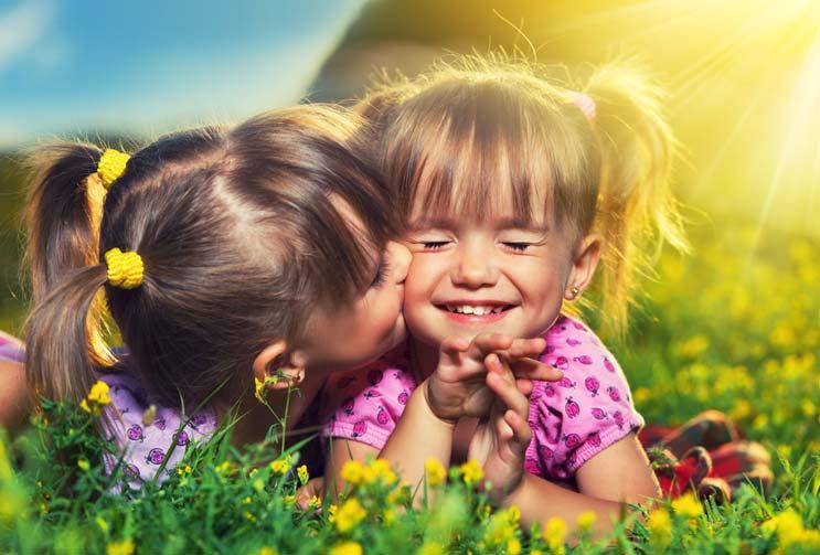 Relaciones fraternales Cómo fortalecer el lazo con tu hermano o hermana-MainPhoto