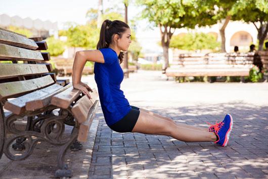 Los-ejercicios-para-la-parte-superior-del-cuerpo-para-el-cuerpo-de-una-atleta-Photo2