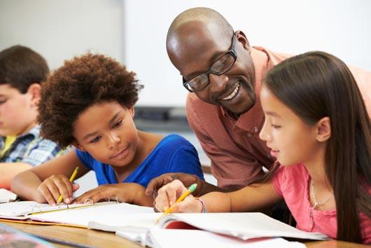 Comunicación de padres a profesores: 8 maneras de comenzar con el pie derecho este año escolar-MainPhoto