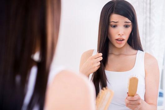 Aviso-La-verdad-sobre-los-la-calvicie-y-la-pérdida-del-cabello-en-mujeres-Photo1