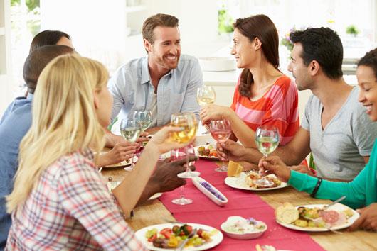Los-mejores-temas-de-conversación-para-la-cena-Photo2
