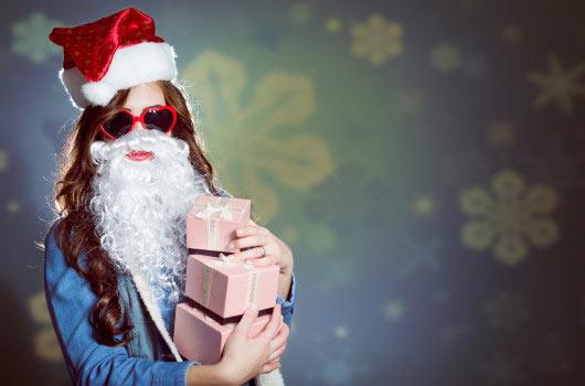Cómo triunfar en el intercambio de regalos de la oficina este año-MainPhoto
